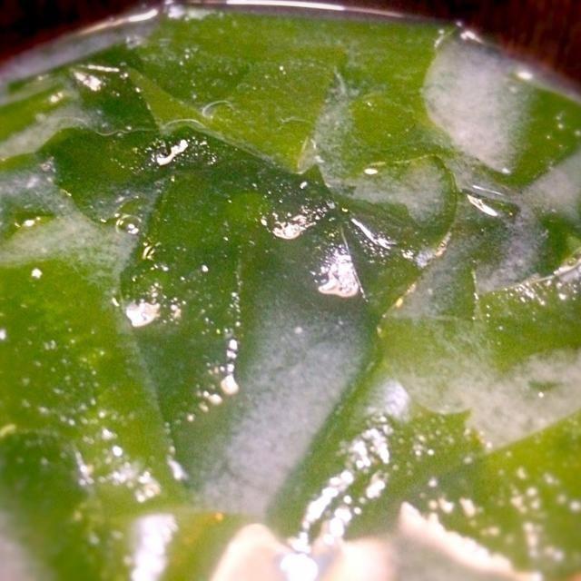 鳴門産のワカメを思い切り入れたみそ汁です。 柔らかくて美味しくいただきました。 - 107件のもぐもぐ - ワカメいっぱいのみそ汁 by mottomotto
