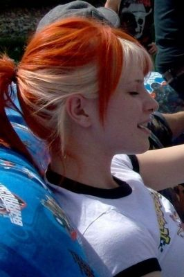 Hayley Williams hairstyle, sorta cool how its red with blonde underneath