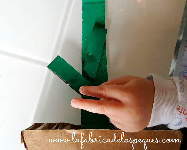 Manualidad infantil: Portanotas de cartón