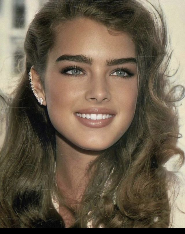 Pin By Armando Diaz On Botox In 2020 Brooke Shields Beautiful Face Hair And Makeup Tips