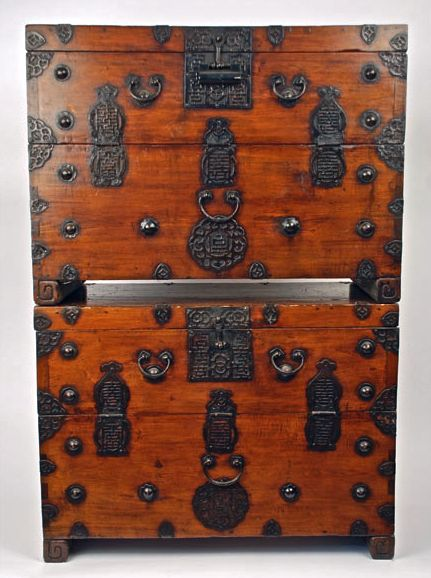 Rare Antique 2 Bad Dai-ii Wood Iron Chest Storage Trunks Korean - http://www.busaccagallery.com/catalog.php?catid=41itemid=6211page=1