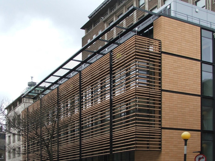 brise-soleil en terre cuite UCL LONDON Moeding Keramikfassaden