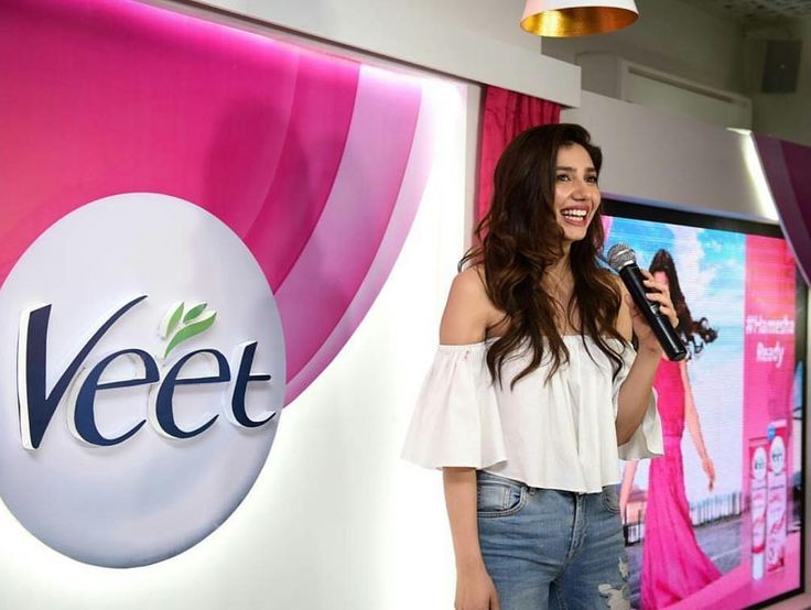 "1,931 Likes, 56 Comments - HELLO! Pakistan (@hellopakistan) on Instagram: ""We are here at the Veet 'Meet & Greet' with Mahira Khan at the Deli ✨😍 #hameshareadyraho…"""