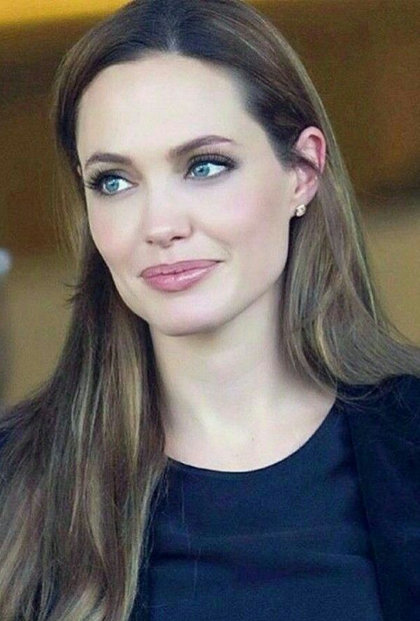 Hair Color Is Gorgeous Angelina Jolie Hair Angelina Jolie Makeup Angelina Jolie Style