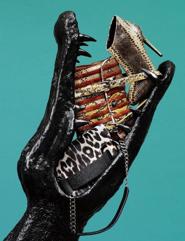#интересное  Модные фотоманипуляции Белы Борсоди (Bela Borsodi) (30 фото)   Американская женщина-фотограф известна своими фешн-фотографиями, в которых использует обувь, одежду и аксессуары для создания новых образов, порой напоминающих портреты, а иногда и целые карти