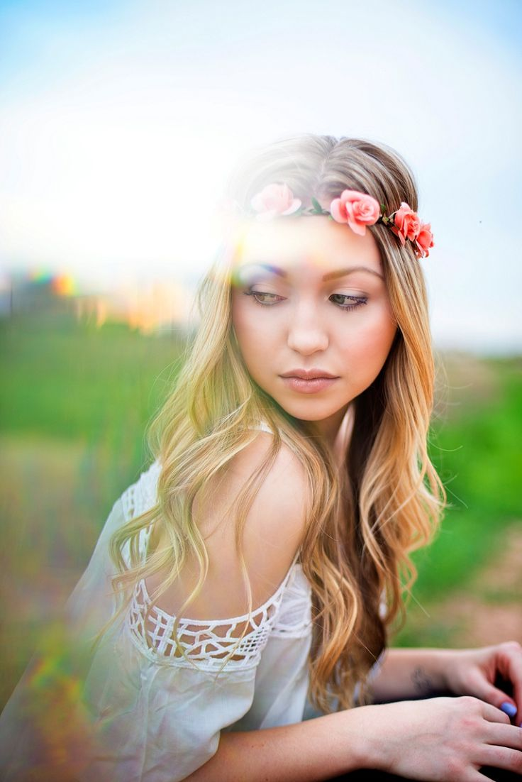 Senior Picture Ideas for Girls | Flower Halo | Boho