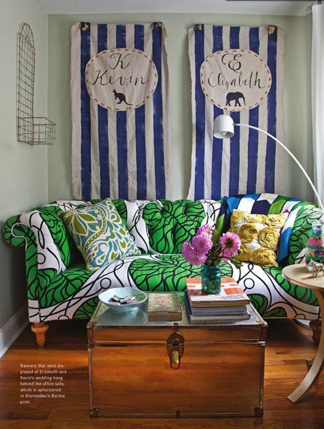 12 sofás con estampados llamativos y cómo combinarlos con estilo · 12 bold pattern sofas and how to successfully combine them