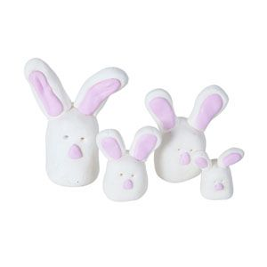 Create your own family of Fimo bunnies, use them to decorate your Easter table, on your Easter bonnet hat or in your Easter Egg hunt!