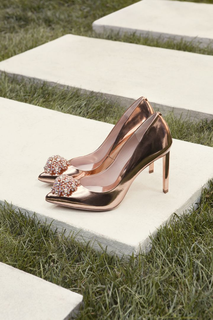 SHOP SS17: This season, Ted's beloved PEETCH courts have a rose gold metallic upgrade. Pair them with a lovely summer dress, an evening gown, or wear them on your front lawn to get all the neighbors talking.