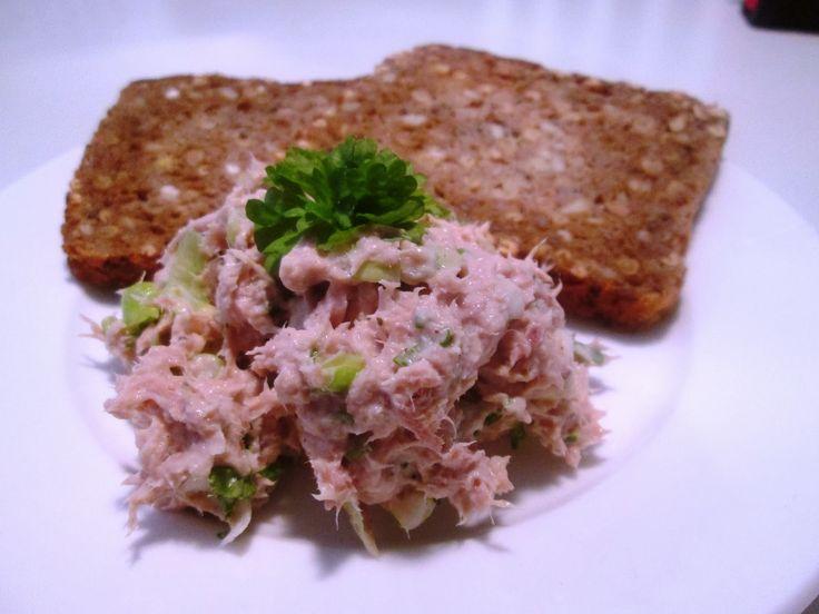 En verden af smag!: Cremet Tunsalat med Forårsløg