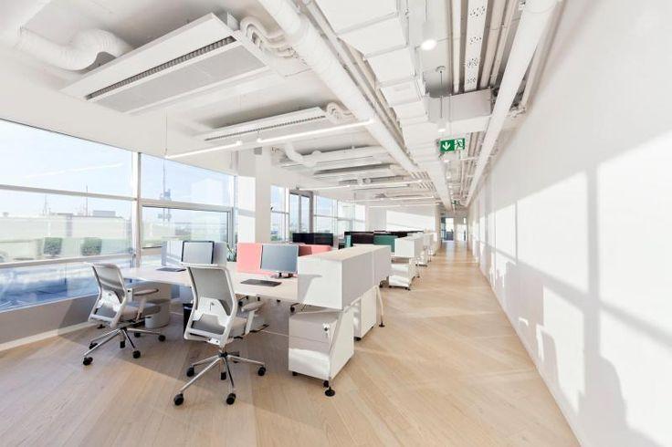 Prostory kanceláří BOCA Praha, dřevěná podlaha Mardegan. / Office BOCA Praha, Mardegan wooden floor.