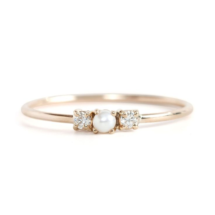 We love all things tiny, shiny and gold. #pushpresent