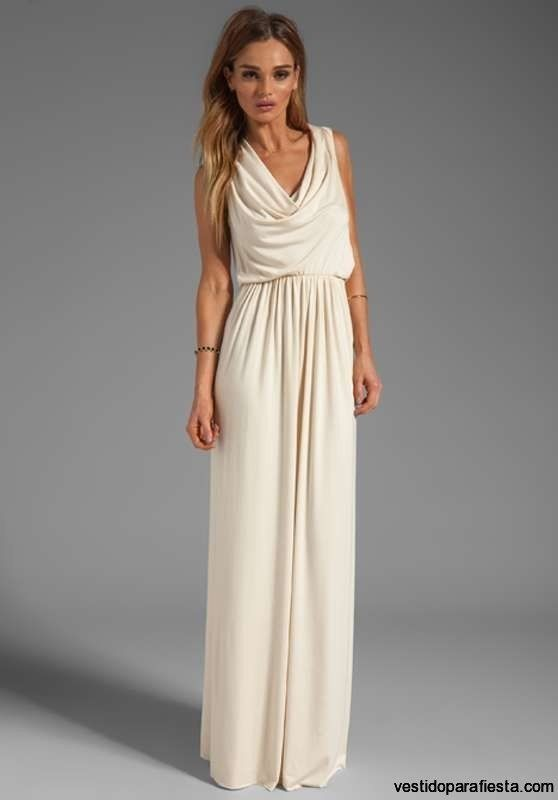 Elegantes y modernos vestidos largos de fiesta con escote en la espalda – 13
