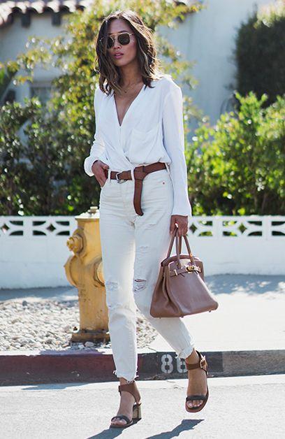 Aimee Song com Look Monocromático branco