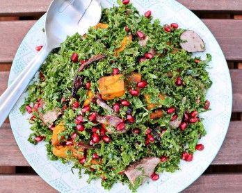 Når man siger rosenkål, tror jeg, at mange tænker påenudkogt, grågrøn og kedeliggrønsag, der smager lidt af prut – menrosenkål er altså en undervurderet grønsag! Når den er tilberedt rigtigt er den sprød, mild og absolut indbydende at se på i al sin forårsgrønhed. Desuden er det både sund og billig grøntsag. Jeg tilberederrosenkålpå mange …