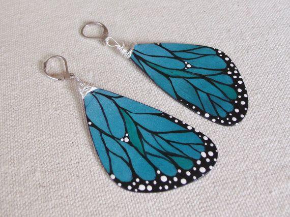 Grand papillon bleu ailes boucles d'oreilles