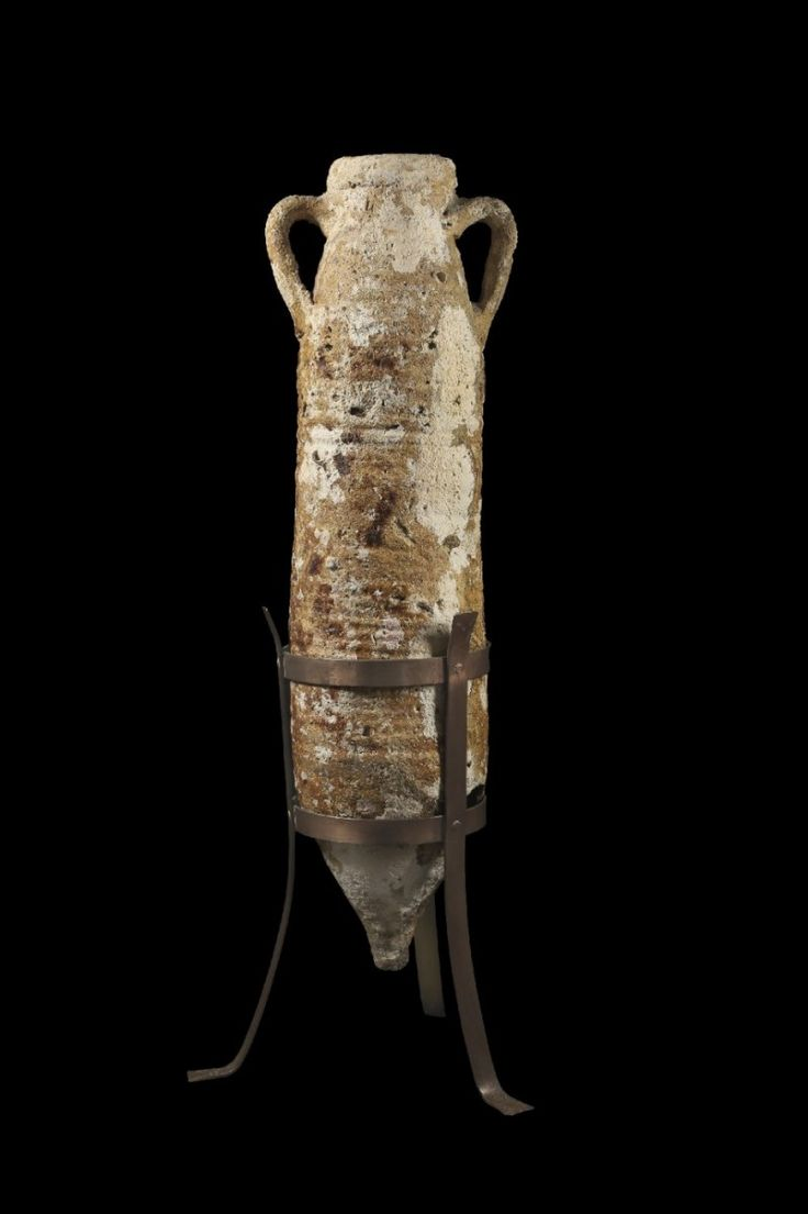 Roman amphora, Aeolian islands, 1st-3rd century A.D. Transportamphora for alumen, Richborough 527, sea incrustations, 95 cm high. Private collection
