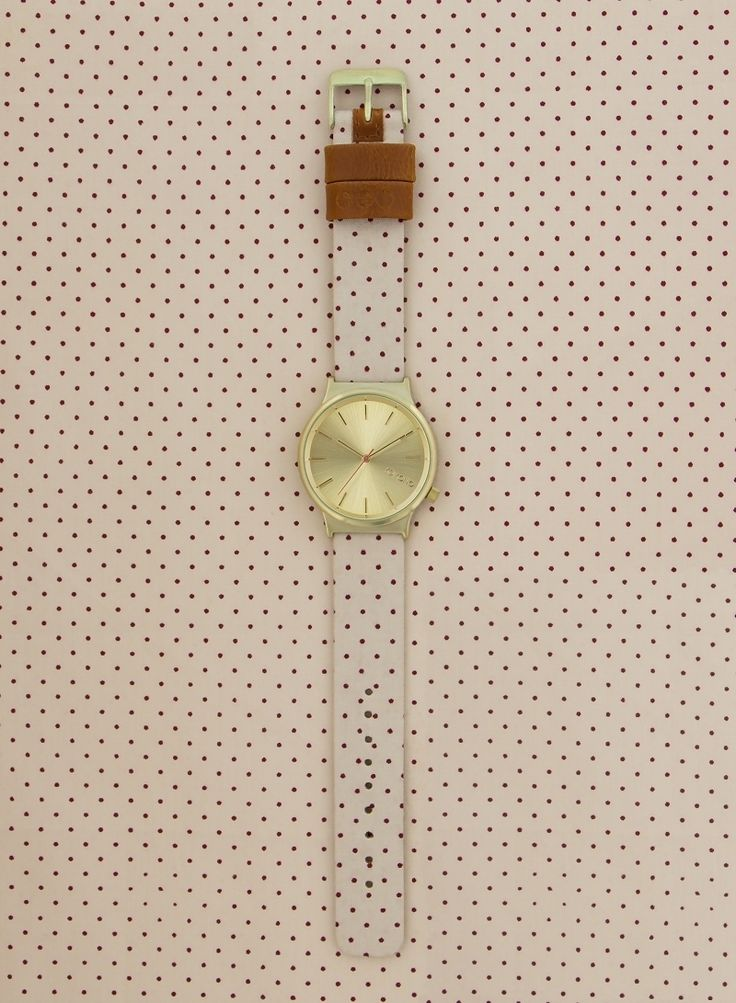 Komono Wizard Print Watch | Polka Dot Sand. Fun patterns and textures that make for a classic yet playful watch design. Inspired by the world around us, the easy-easy-on-the-eye prints are a great wristwear match to your mood and your latest fancy.