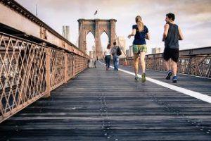Welches sind die besten Methoden um die Herzfrequenz beim Sport zuverlässig messen zu können? Brustgurt, GPS Uhr, Pulsuhr, Fitness Tracker oder