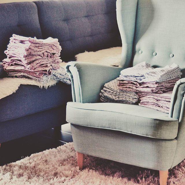 Nasz magazyn się powiększa, ale jeszcze nie możemy zacząć. Czekamy na resztę z niecierpliwością, aby zrobić sesje i pokazać wam wszystko i ruszyć ze sprzedażą 😸 #masenso #by_masenso #sleepwear #loungewear #sleepandloungewear #sleepandlounge #lounge #homewear #madeinpoland 🇵🇱 #newbrand #decor #polishbrand #sleepingbeauty #moretocome #waiting #pajamas #staytuned #comingsoon #newcollection #womanfashion