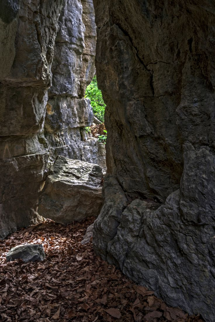 The Cleft in The Rock by Bill Boehm on 500px