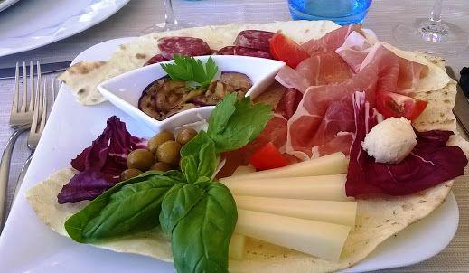 Yum - light dinner Sardinian style!