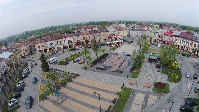 Leyraa-UAVO Zdjęcia i Filmy z drona / Usługi Dron / Licencjonowany Pilot UAVO / Kielce / VBLOS: Stare Miasto Mielec, Starówka