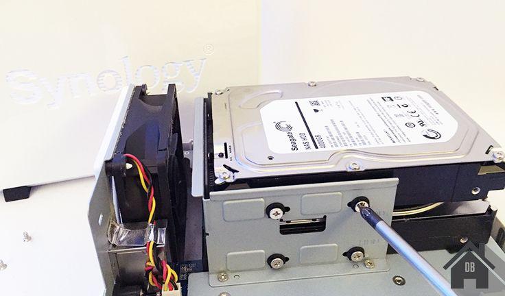 e vous propose aujourd\'hui un petit guide afin de changer les disques dur d\'un NAS Synology pour étendre sa capacité tout en conservant ses données. C\'est très simple vous allez voir, si vous avez peur de perdre vos données, ne craignez rien et suivez simplement le guide.J\'avais au paravent deux ...