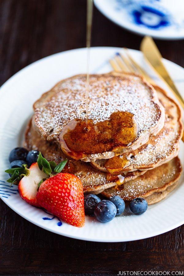 Red Bean Pancake 餡入りパンケーキ | Easy Japanese Recipes at JustOneCookbook.com Anko-anything, please =D Anko, azuki, Japanese, fusion cooking, vegetarian, pancake, breakfast, snack