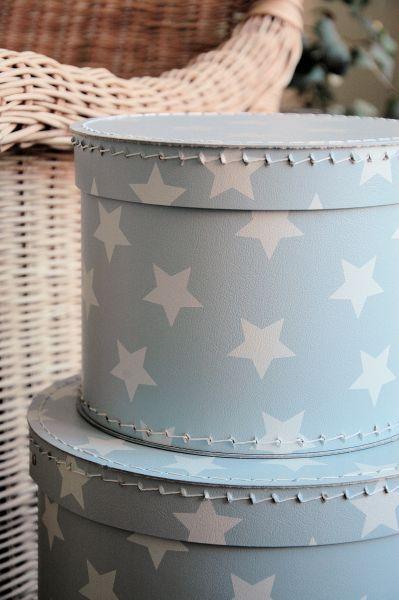 Ljusblå förvaringsbox med vita stjärnor - Balders - hemlangtan.com