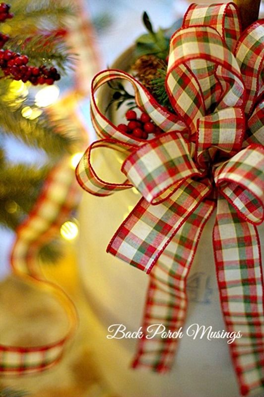Christmas Decorating Ideas Using Ribbon : Best ideas about christmas bows on diy xmas
