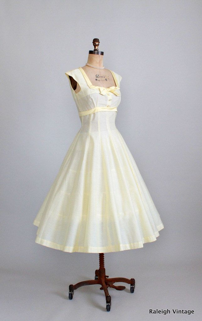 Vintage 1950s Yellow Garden Party Sundress.