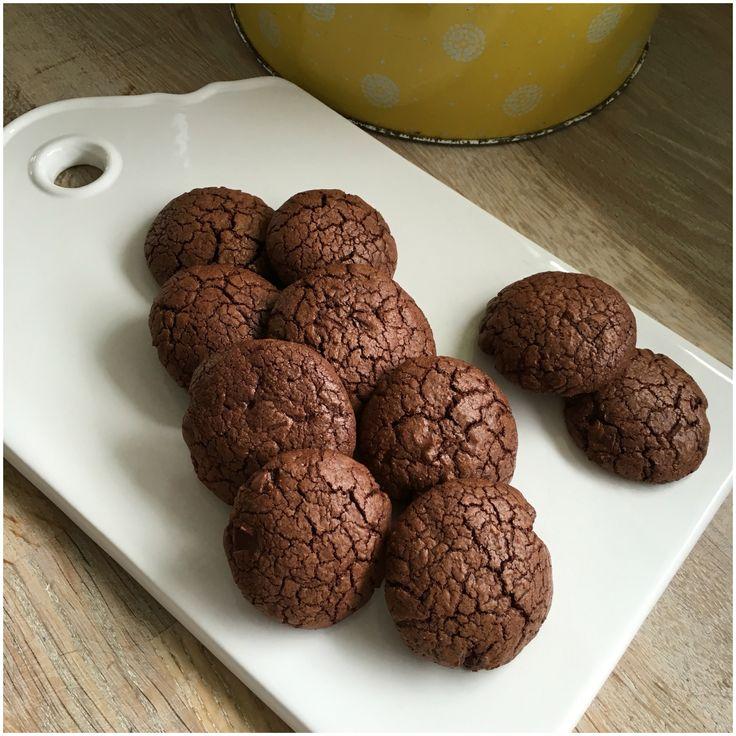 Små brownies kager som smager skønt til en kop kaffe