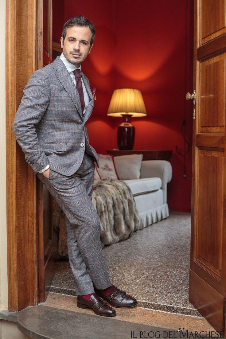 A complete guide to men's Italian style and fashion for winter 2016.Il blog del Marchese: abito Andrea Neri;scarpe Fratelli Rossetti;cravatta Calabrese 1924