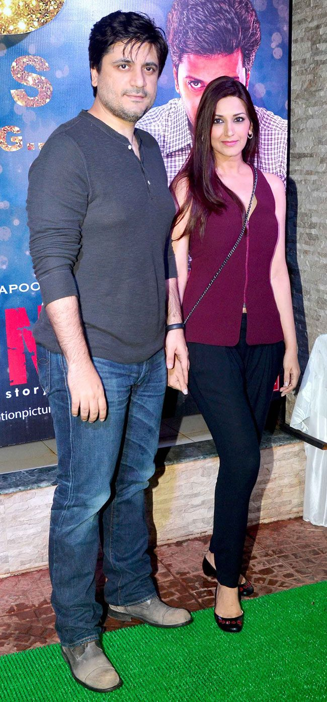 Goldie Behl with wife Sonali Bendre at the success bash of 'Ek Villain' #Style #Bollywood #Fashion #Beauty