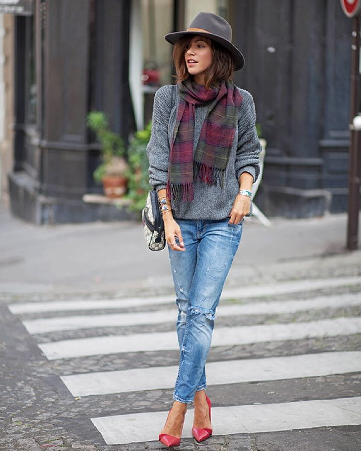 7 fall outfits that scream French style by @juleytl on theeverygirl.com //  by @babiolesdezoe #theeverygirl #iamtheeverygirl