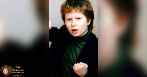 Чак Ревью (Chuck review) в детстве, юности, молодости, маленький