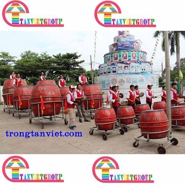 Dàn trống giáo xứ Hà Nội với quy mô vô cùng lớn gồm 32 quả trống trung, 8 quả trống đại và 1 quả trống sấm là dàn trống lớn nhất do Tân Việt sản xuất. Dàn trống giáo xứ Hà Nội được thiết kế và sản xuấ