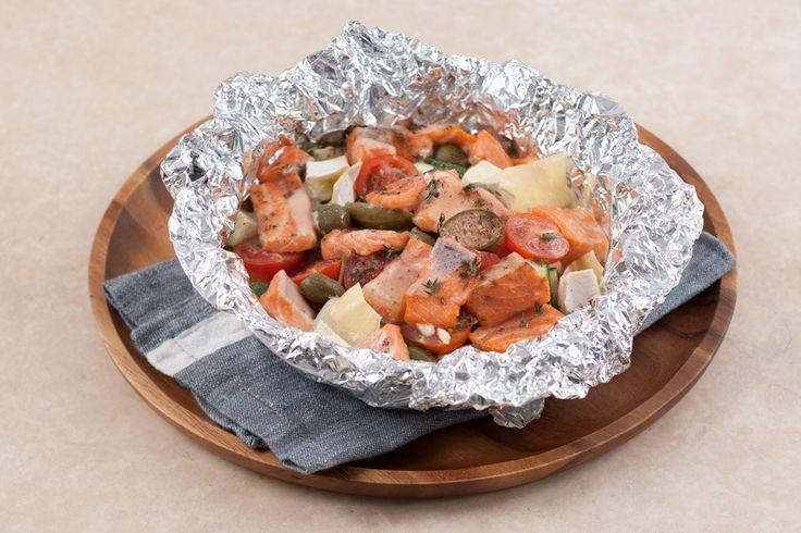 Запеченая форель с овощами и сыром камамбер