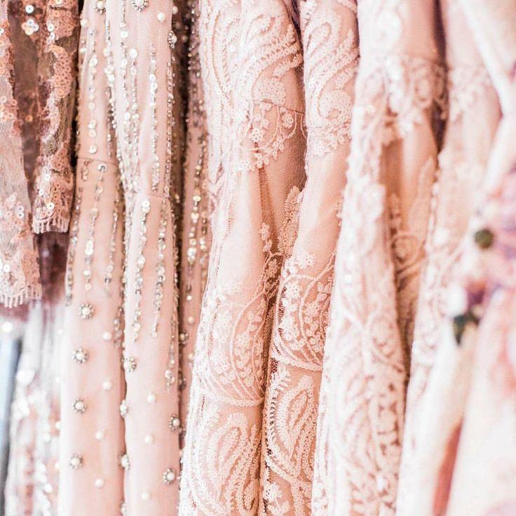 La vie en rose. ��@bhldn . . . #weddinginspiration  #weddingregistry #weddingdress #beautifulbride #bridal #wed #weddingparty #dreamwedding #dreamwedding #shesaidyes #bride #photographer #photography #weddinginspiration #weddingphotos #wedding #wedding2017 #weddings2017 #boda #bodas #bodas2017 #boda2017 #inspiracion http://gelinshop.com/ipost/1516110629608551078/?code=BUKTpW-AvKm