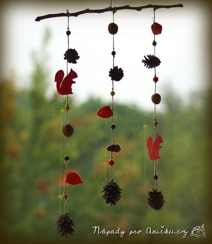 Podzimní veverková dekorace - Autumn window decoration