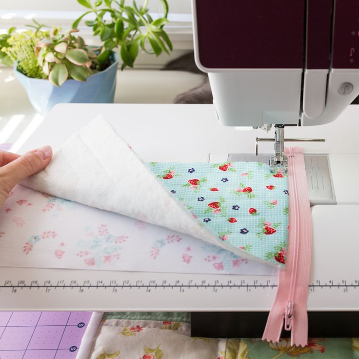 zipper bag sewing tutorial pyramid pouch