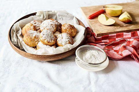 Recept voor Oliebollen uit de oven met appel | Oviebollen - Koopmans.com