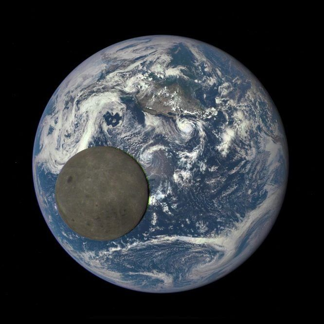 384 отметок «Нравится», 26 комментариев — Info Astronomy (@infoastronomy) в Instagram: «Untuk kedua kalinya dalam setahun, kamera satelit Deep Space Climate Observatory (DSCOVR) berhasil…»