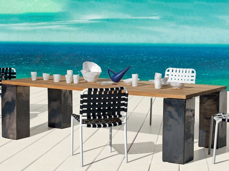 Inout 33 is a #Table with ceramic feet, available in different colours, with teak slats top. Design by Paola #Navone for @gervasoni1882
