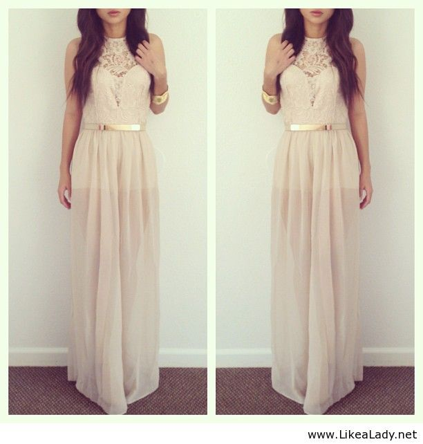 Beautiful long dress with gold details