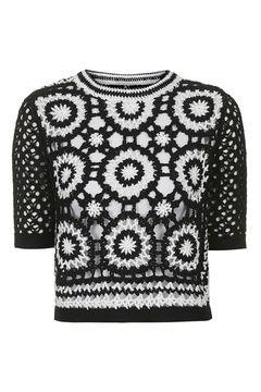 Schwarz-weißes Häkel-T-Shirt