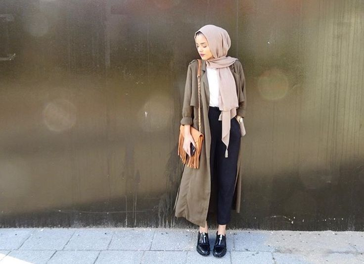 Hijab + Long Trench + Fave Color Scheme (perksofbeingsaara)