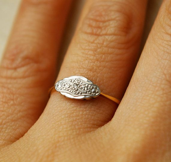 pretty, delicate deco ring.