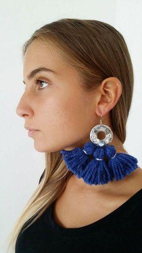 YANA Wool Tassels Earrings with Swarovski Elements  – Orecchini con tre nappe in lana e ciondolo con elementi swarovski